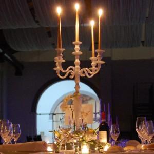 centrotavola candeliere oro e bianco