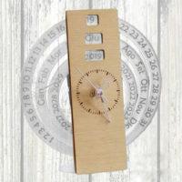 orologio con calendario cerchio