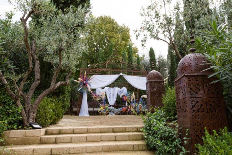 Mediterranean style coloured wedding on lake garda